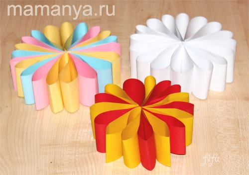 Как сделать снежинку из цветной бумаги своими