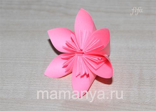 Цветы из цветной бумаги. Оригами